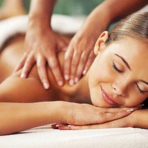 Массаж спины: техника выполнения лечебного, классического и общего массажа