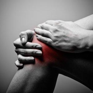 Лечение вывиха колена в домашних условиях первая помощь и народные средства