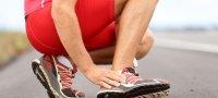 Что делать, если болит нога в области стопы сверху?