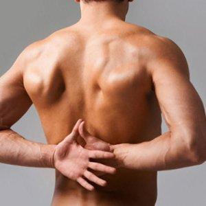 Боль в левой лопатке - причины появления симптома, способы лечения