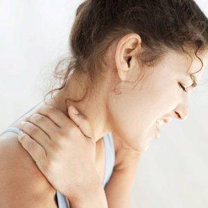 Что делать если защемлен нерв в шее: симптомы и лечение боли в шее